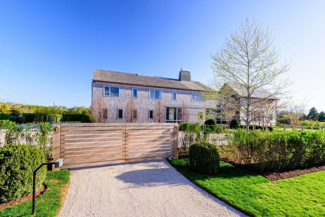 Chic Modern, Steps to the Ocean Bridgehampton, NY 11932