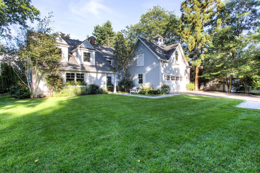 404 Sound Beach Avenue Old Greenwich, CT 06870