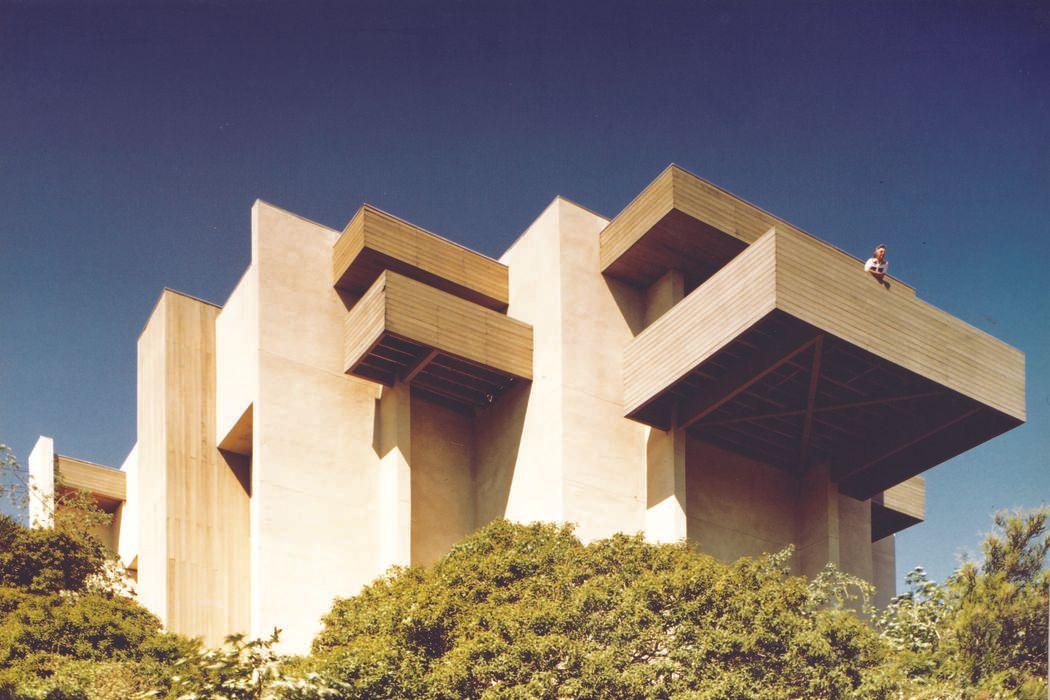 130 Kenworthy Drive Pasadena, CA 91105