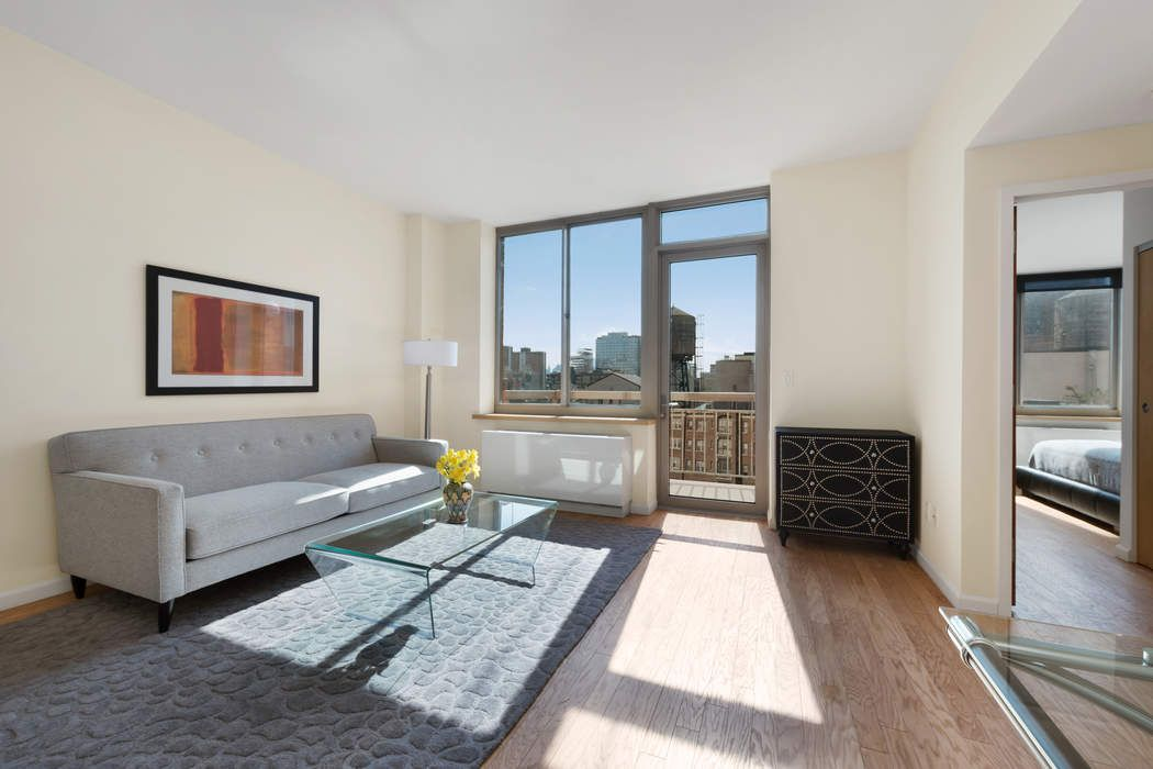 Chelsea 1 Bed w/ Balcony High Line Views