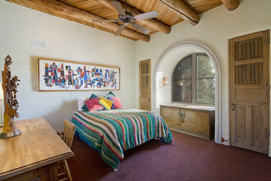 8 Wildhorse Santa Fe, NM 87506