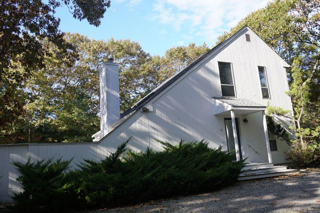 4 Historical Court East Hampton, NY 11937