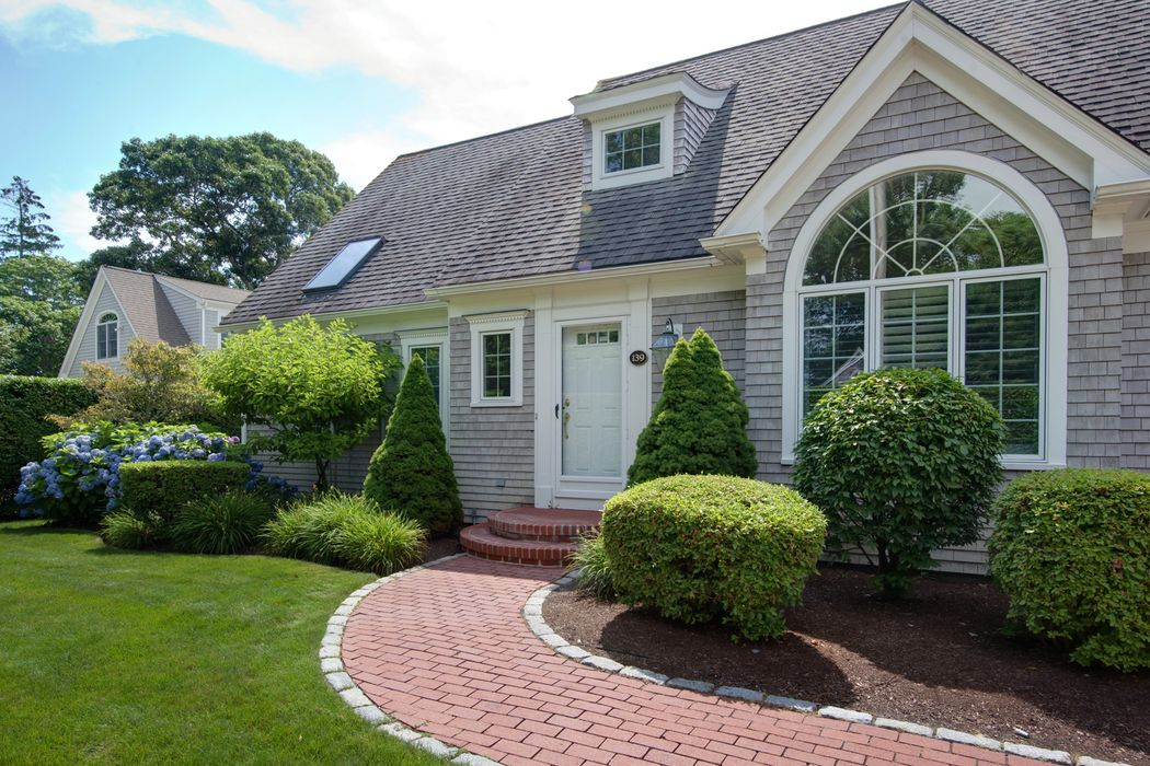 139 West Bay Road, Osterville, MA