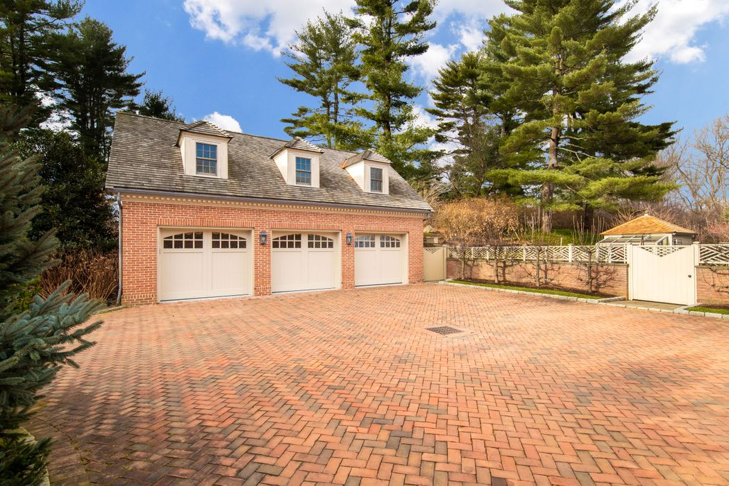 34 Stiles Lane Greenwich, CT 06831