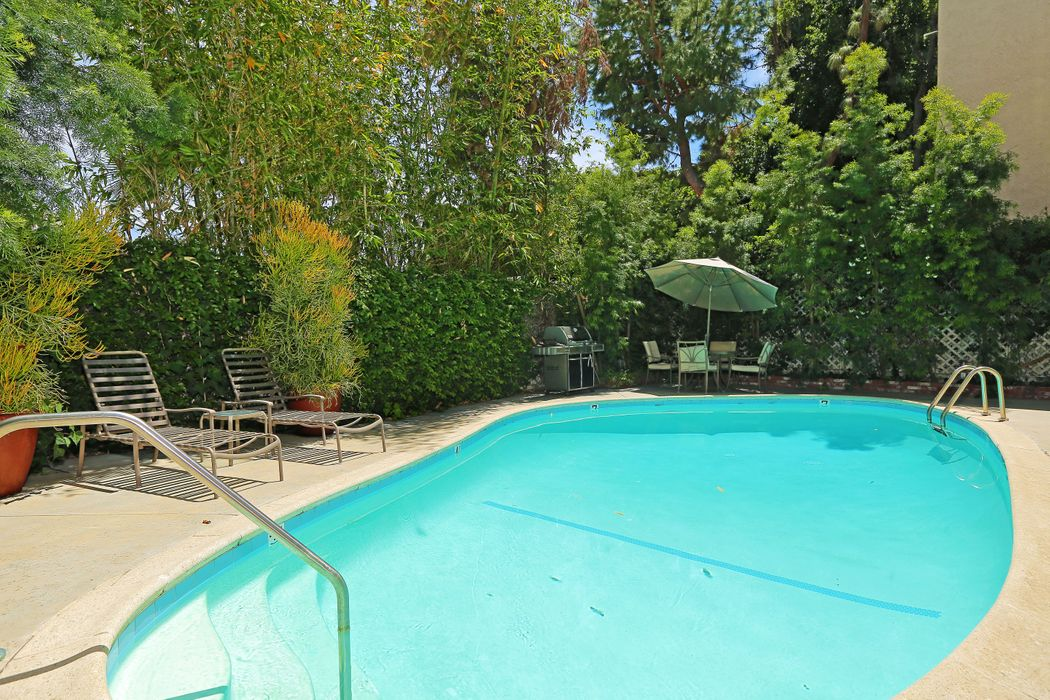 938 Palm Ave West Hollywood, CA 90069