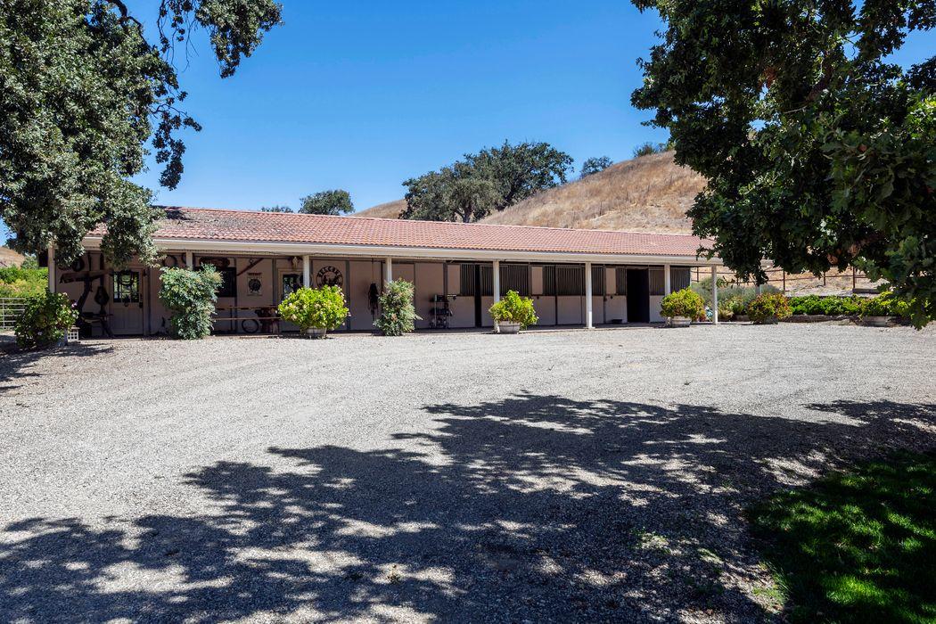 3235 Calle Bonita Santa Ynez, CA 93460