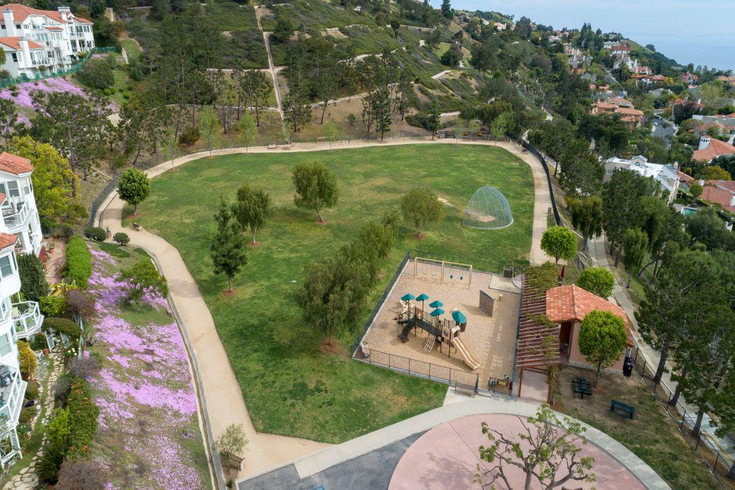 1538 Michael Lane Pacific Palisades, CA 90272