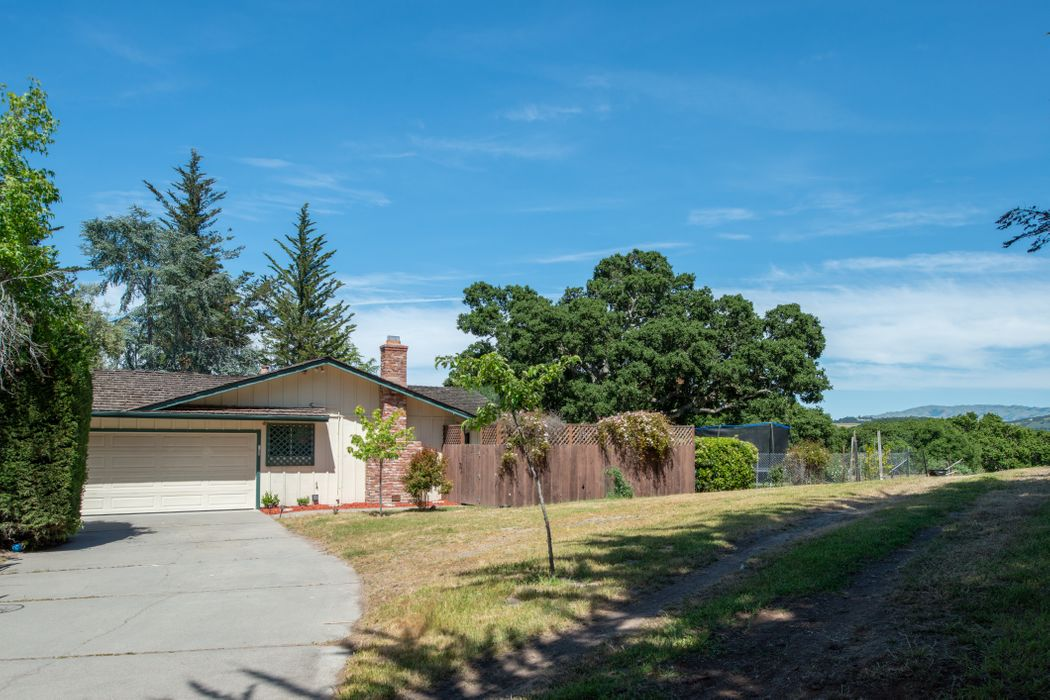 25355 Tierra Grande Drive Carmel, CA 93923
