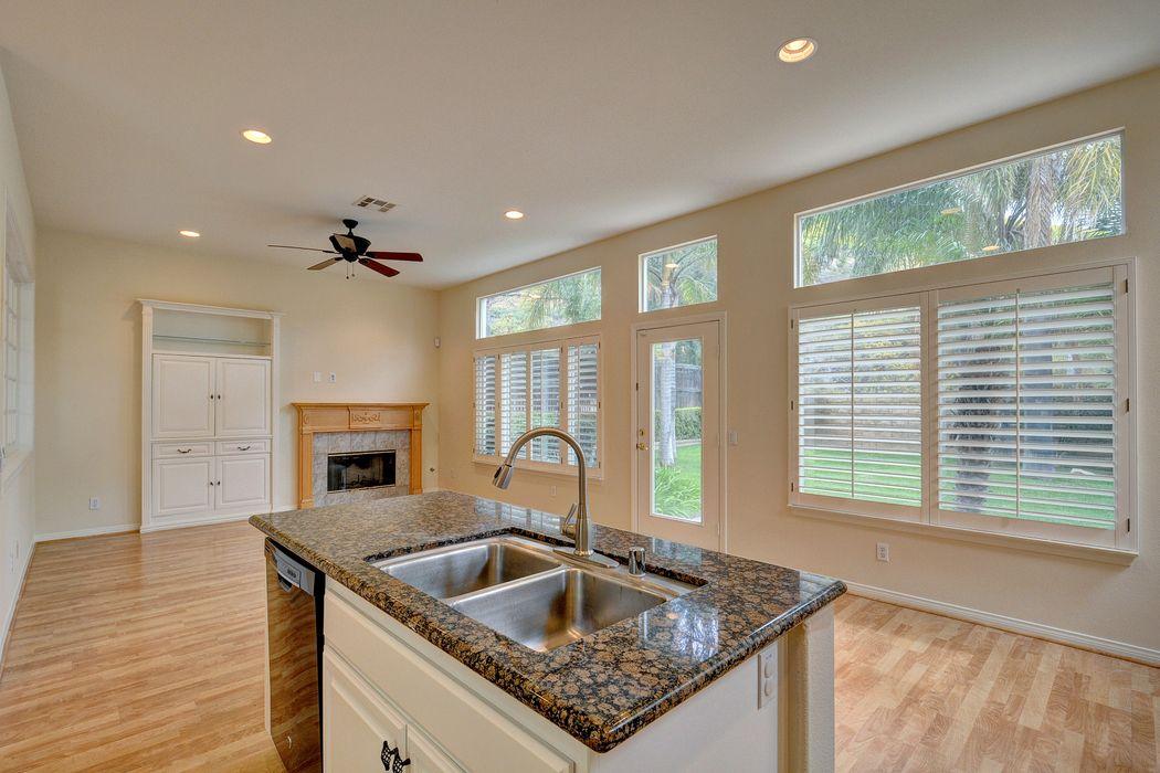 2924 Eagles Claw Avenue Thousand Oaks, CA 91362