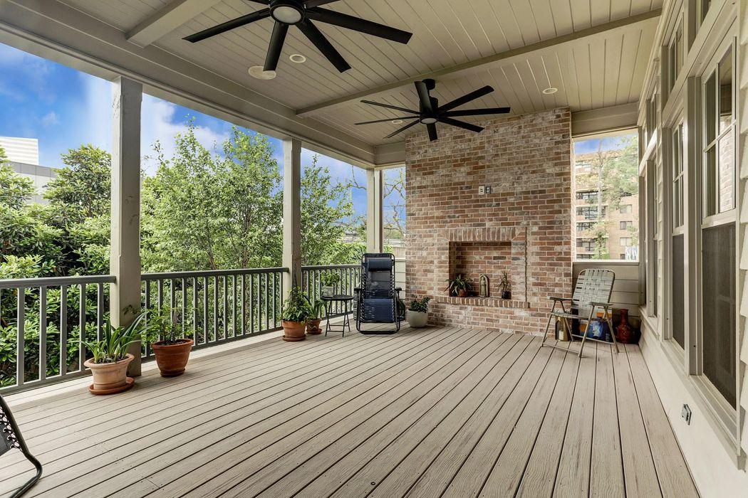 24 Audubon Hollow Lane Houston, TX 77027