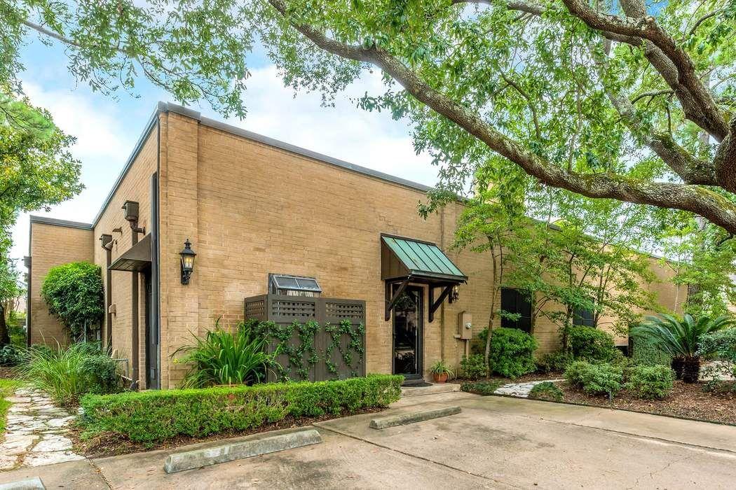 10 South Briar Hollow Lane Houston, TX 77027
