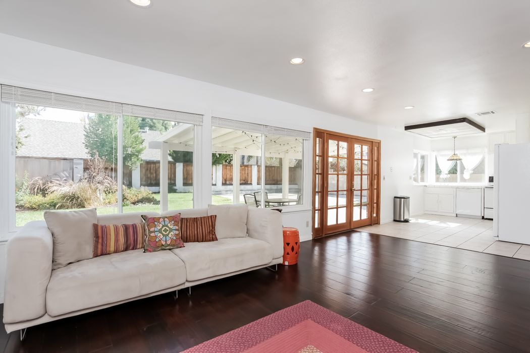 2226 Corlson Place Simi Valley, CA 93063