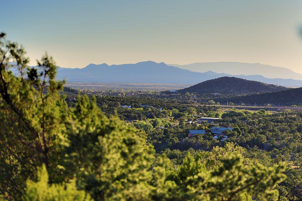 41 San Sebastian Rd Santa Fe, NM 87505