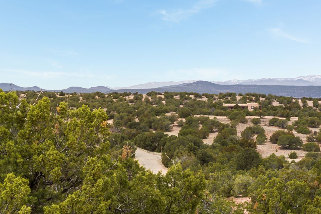7 Placita Anita Santa Fe, NM 87506