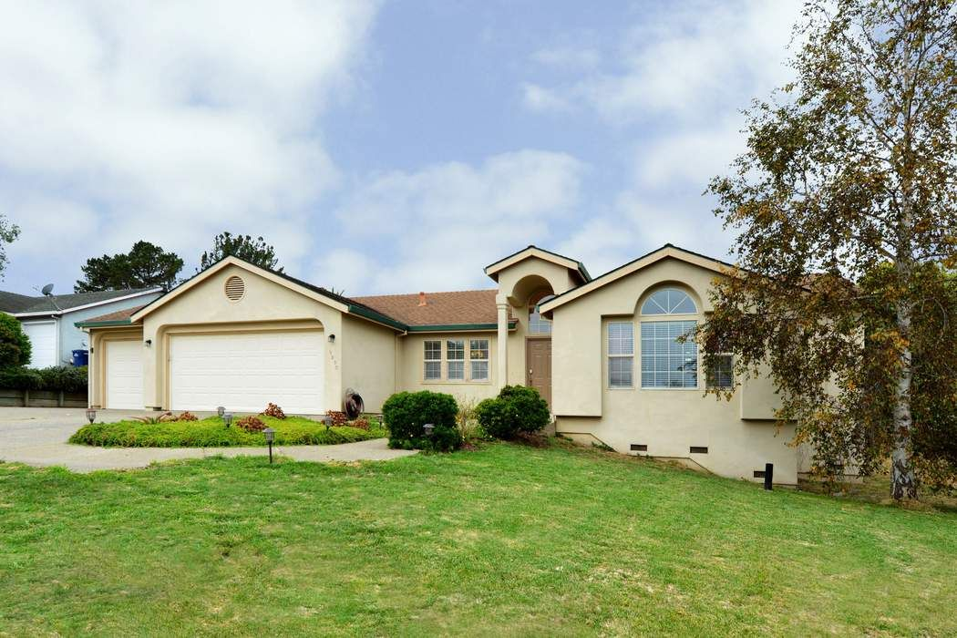 Cul-de-sac Charmer in Lovely Oak Hills