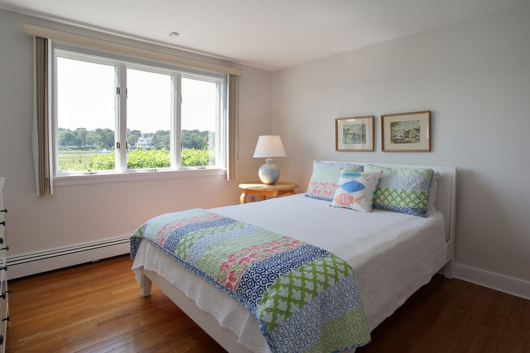 64 Bayview Road Osterville, MA 02655