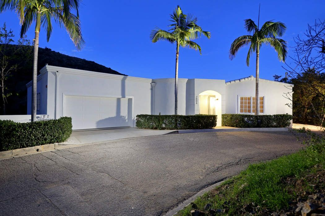 Private Gated on Cul-de-sac with Views