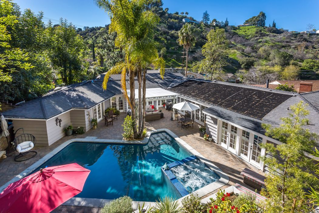 3720 Stone Canyon Avenue Sherman Oaks, CA 91403
