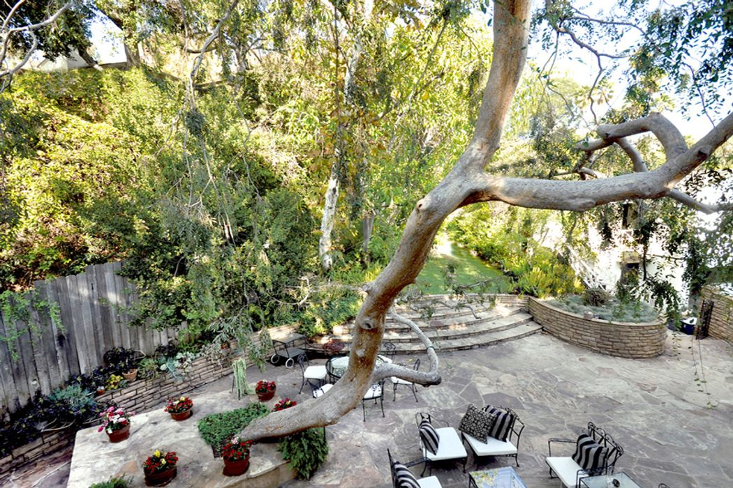 4853 Glencairn Road Los Angeles, CA 90027