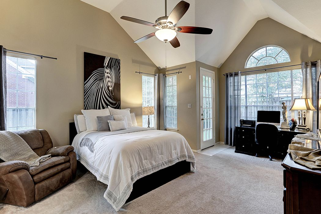 30 Larks Aire Place The Woodlands, TX 77381