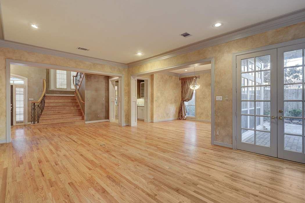 12 Homewood Row Lane Houston, TX 77056