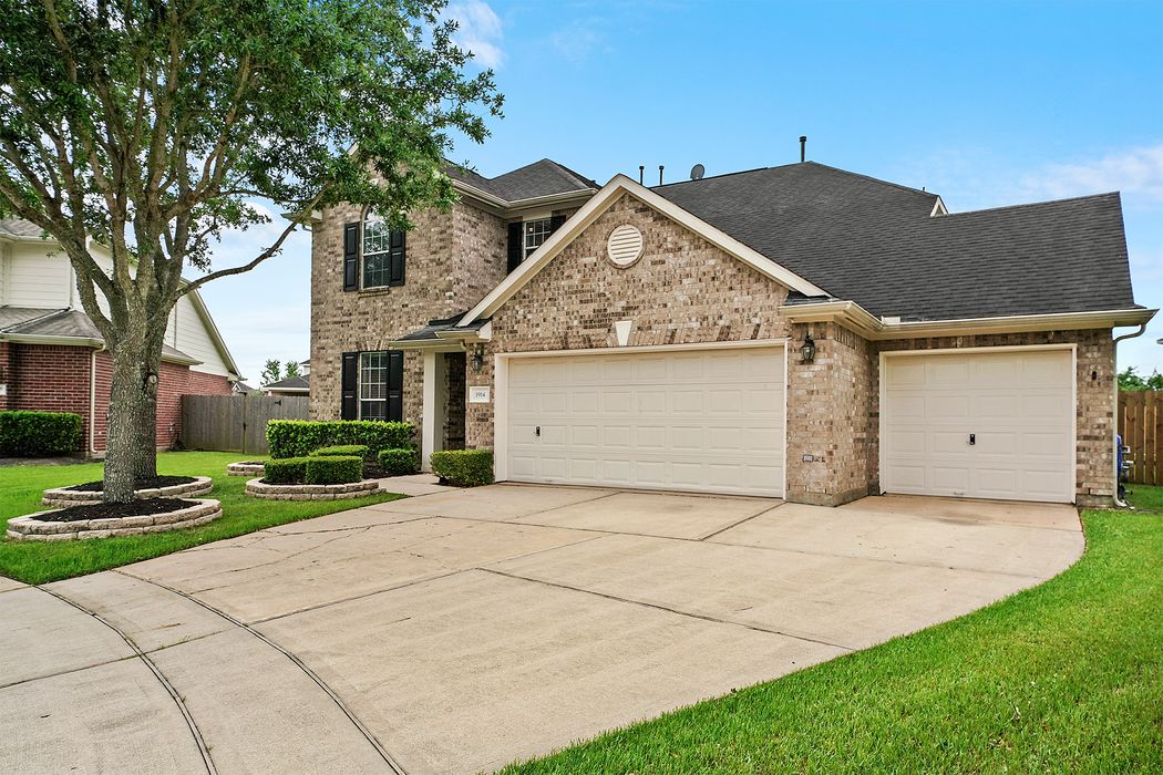 1914 Highland Point Court Pearland, TX 77581