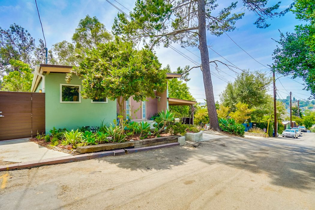 1908 Walcott Way Los Angeles, CA 90039