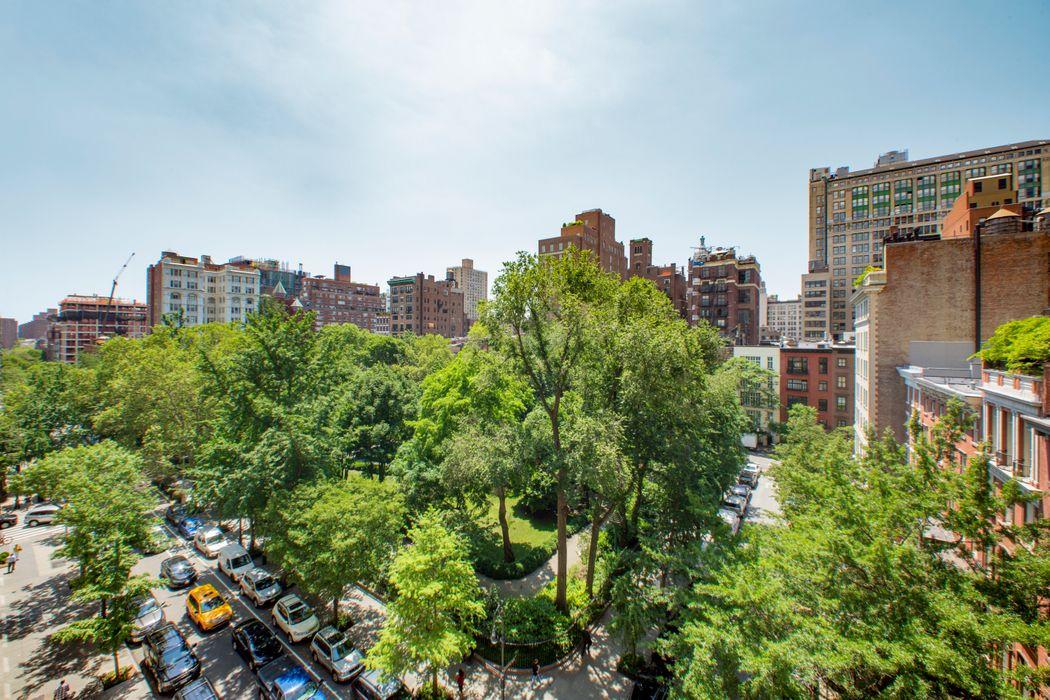 60 Gramercy Park North New York, NY 10010