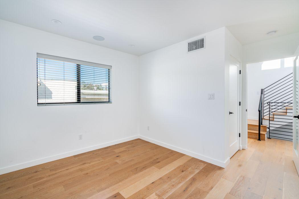 643 N Hayworth Avenue Los Angeles, CA 90048