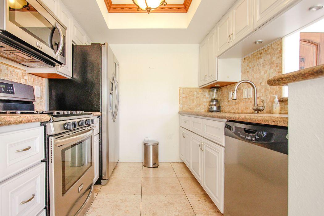 5110 Tujunga Avenue North Hollywood, CA 91601