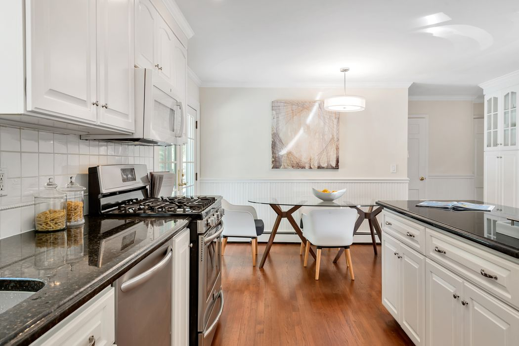 128 Valley Drive Greenwich, CT 06831