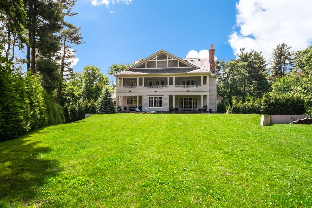 9 Ridgeview Avenue Greenwich, CT 06830
