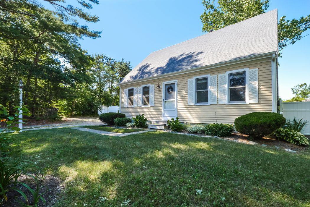 709 Old Barnstable Road, Mashpee