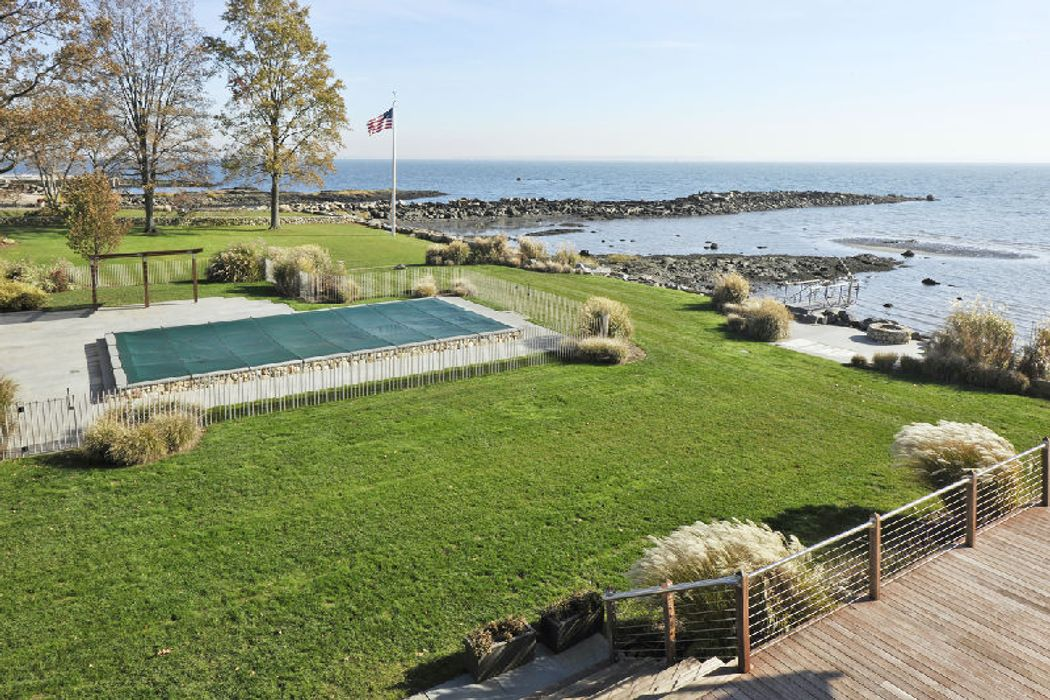 20-22 Rocky Point Road Old Greenwich, CT 06870