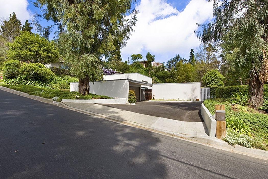 9035 Wonderland Park Avenue Los Angeles, CA 90046