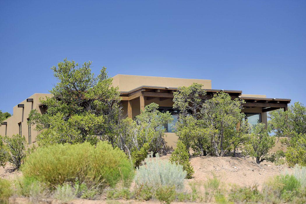 3086 Monte Sereno Drive Santa Fe, NM 87506