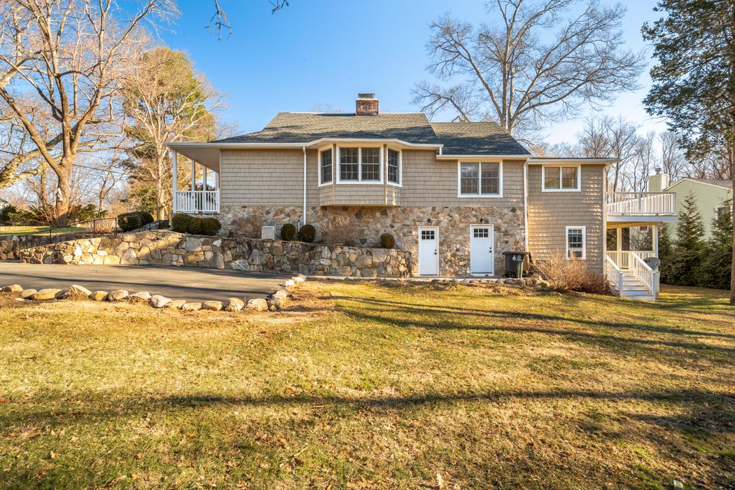 121 Overbrook Drive Stamford, CT 06906
