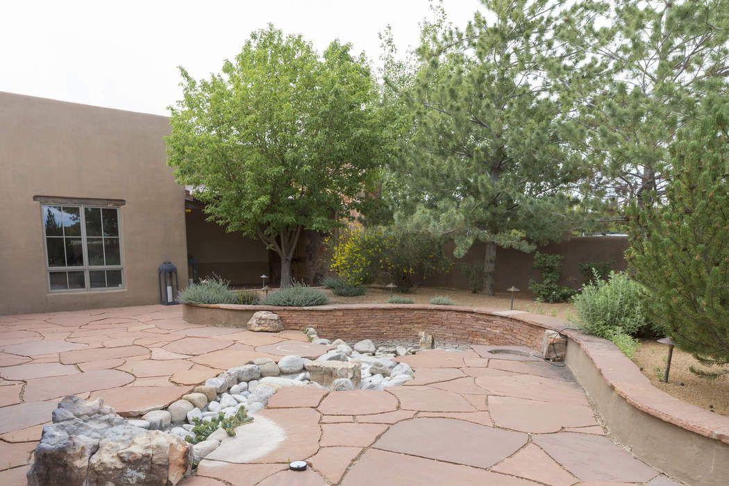 150 Paseo Aragon Santa Fe, NM 87506