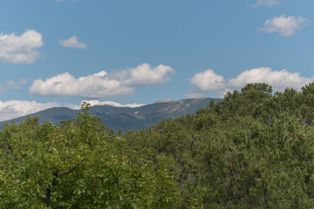 1054 Encantado Drive Santa Fe, NM 87501