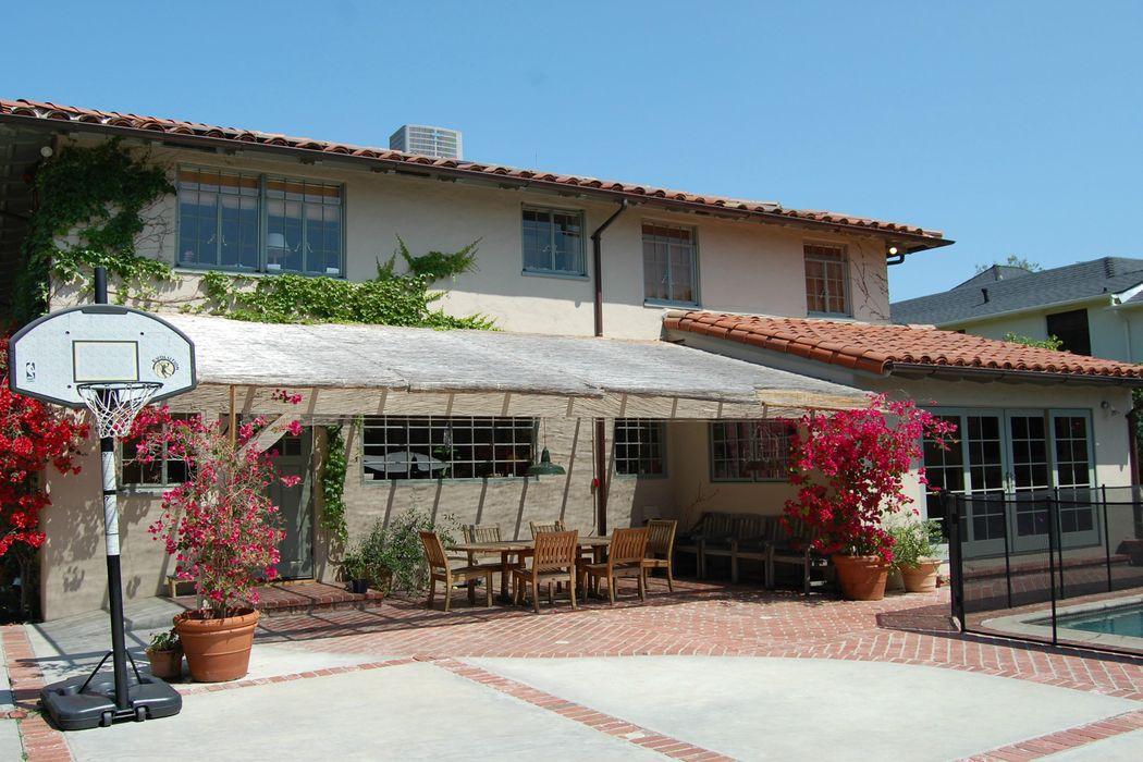 117 North Las Palmas Avenue Los Angeles, CA 90004