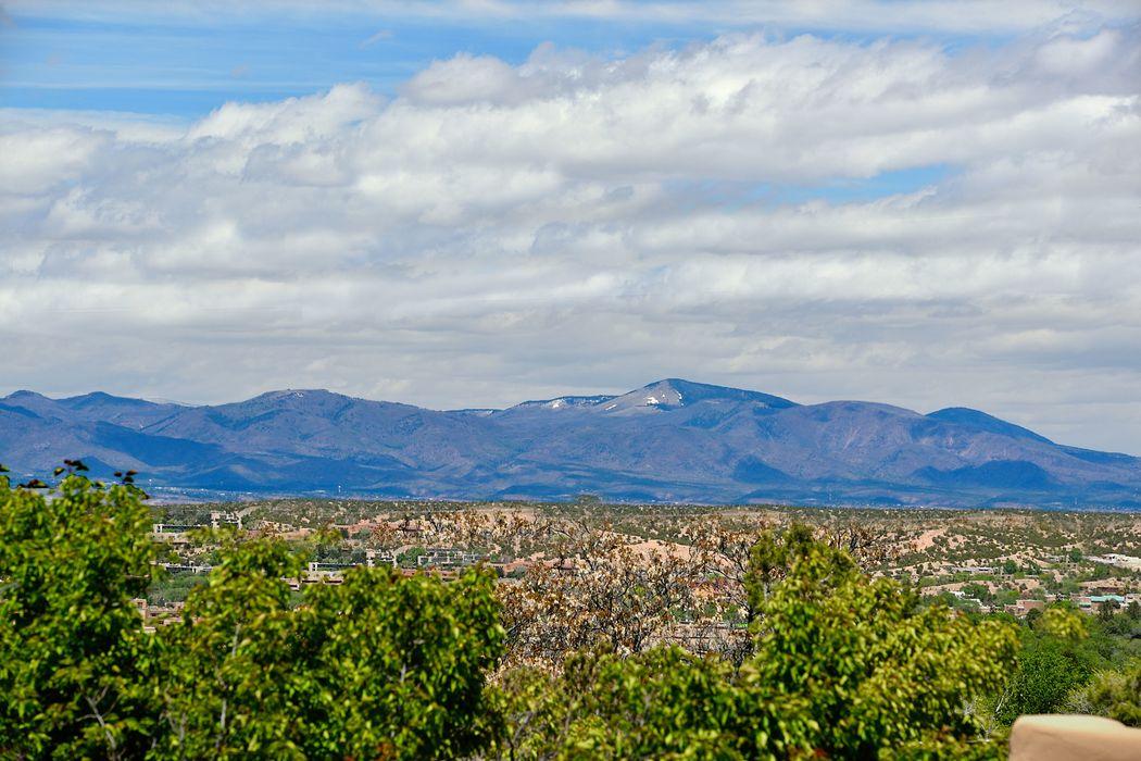 1030 Camino San Acacio Santa Fe, NM 87505