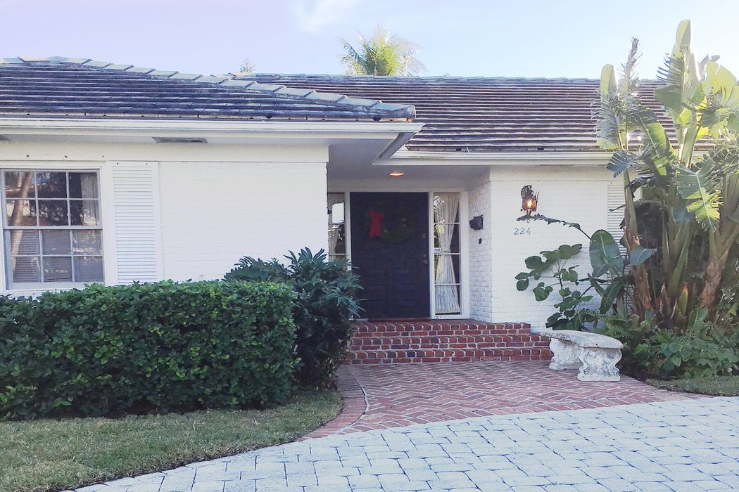 224 Via Marila Palm Beach, FL 33480