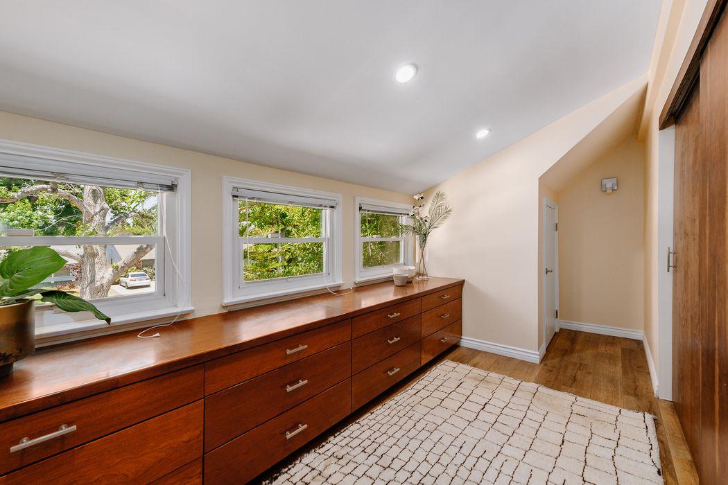 13848 Cumpston Street Sherman Oaks, CA 91401
