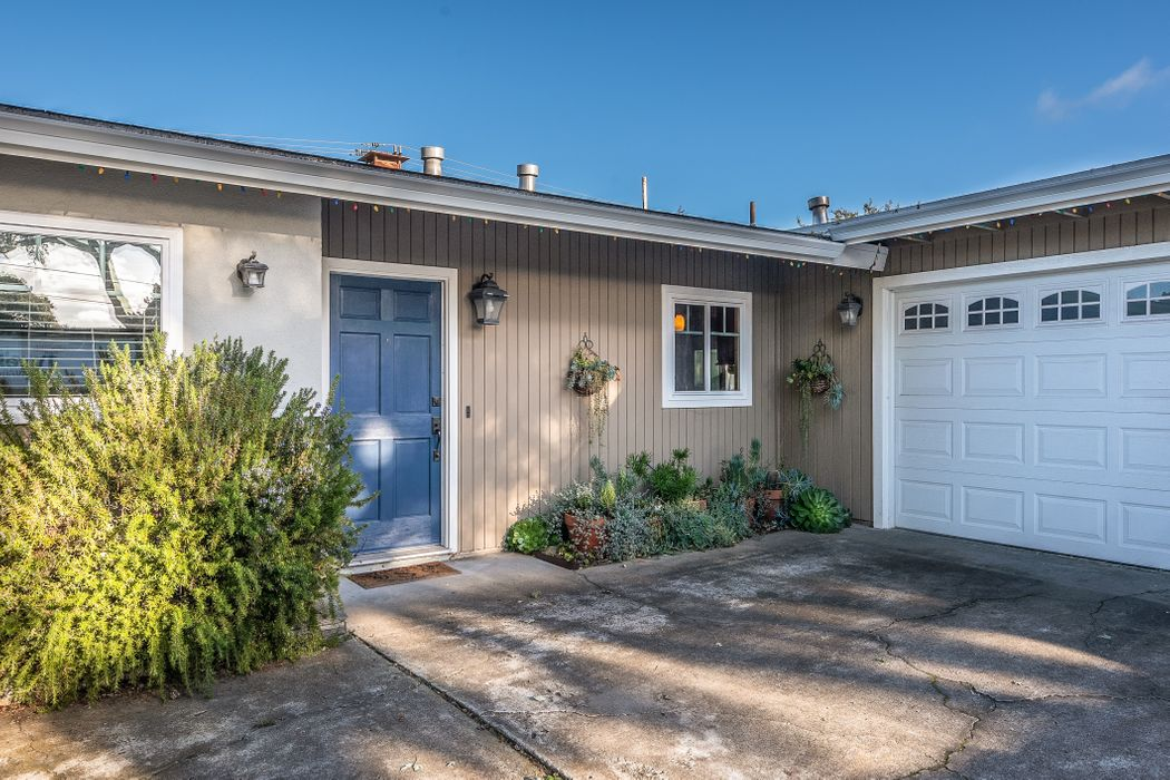 1305 Miles Avenue Pacific Grove, CA 93950