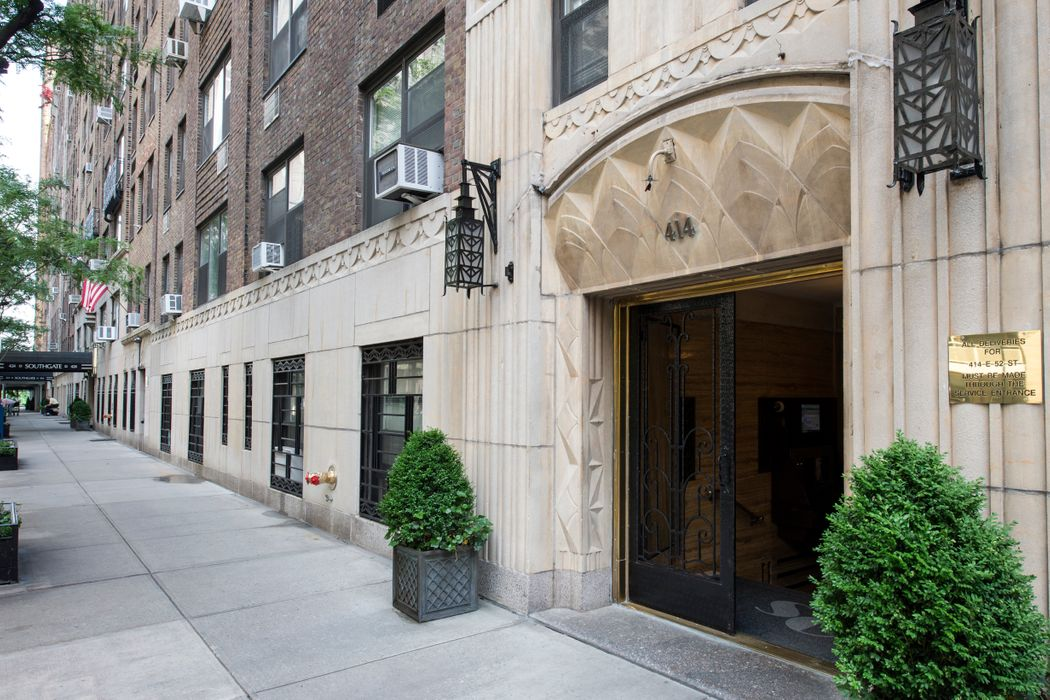 414 East 52nd Street New York, NY 10022