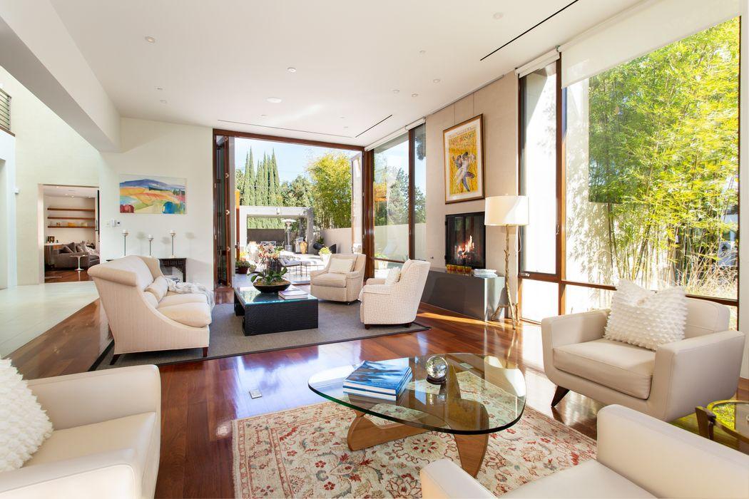700 Walden Drive Beverly Hills, CA 90210