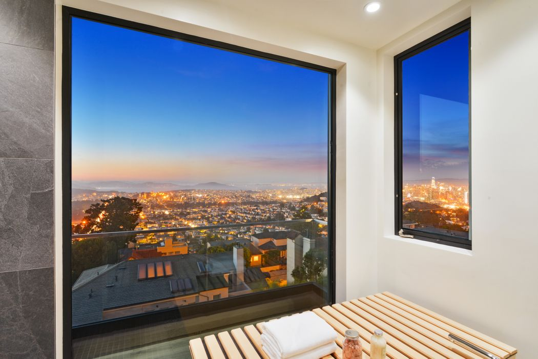 Unobstructed Panoramic Views San Francisco, CA 94114