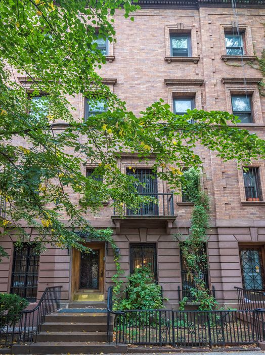 What Is Nyc Sales Tax >> 237 West 139th Street, New York, NY 10030 | Sotheby's International Realty, Inc.