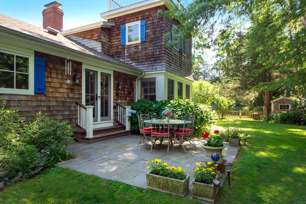 Charming Sag Harbor Cottage Sag Harbor, NY 11963