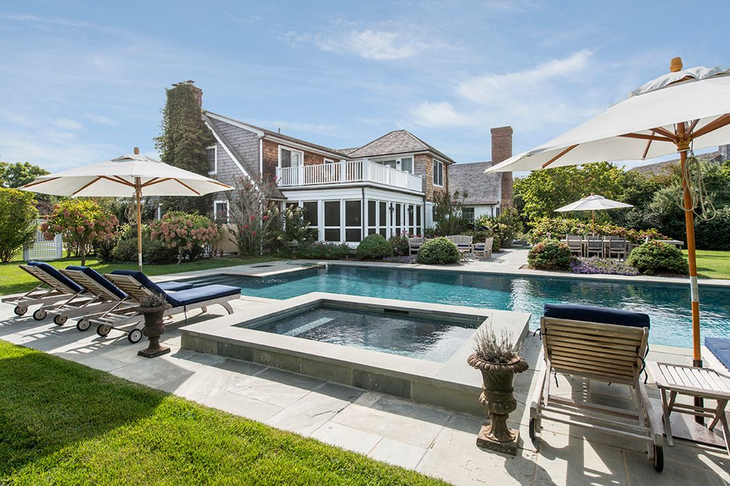 Breathtaking Bay Views in Bridgehampton